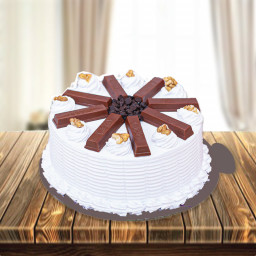 0.5 Kg Choco Kitkat Vanilla Cake