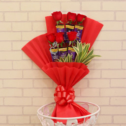 Combo of 6 Cadbury Dairy Milk Chocolate & 6 Red Roses